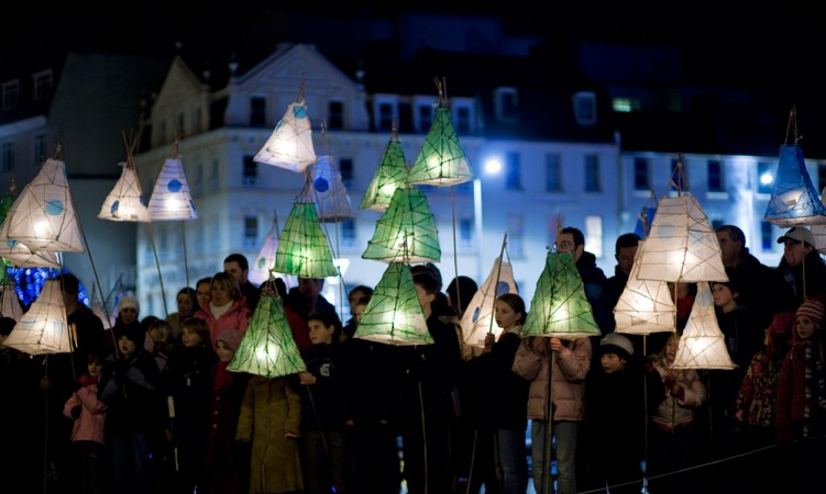 Holiday Stroll for Climate Hope and Clean and Renewable Energy